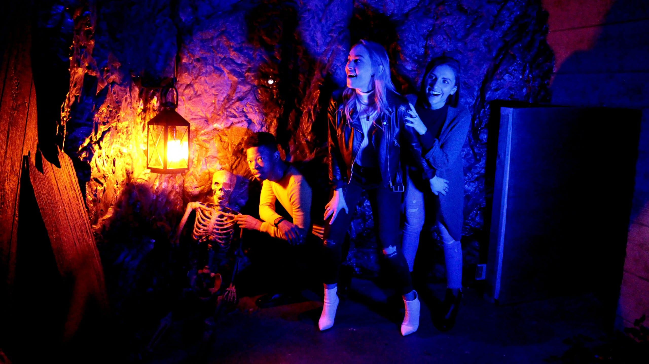 players in a sea cave in the pirate escape game