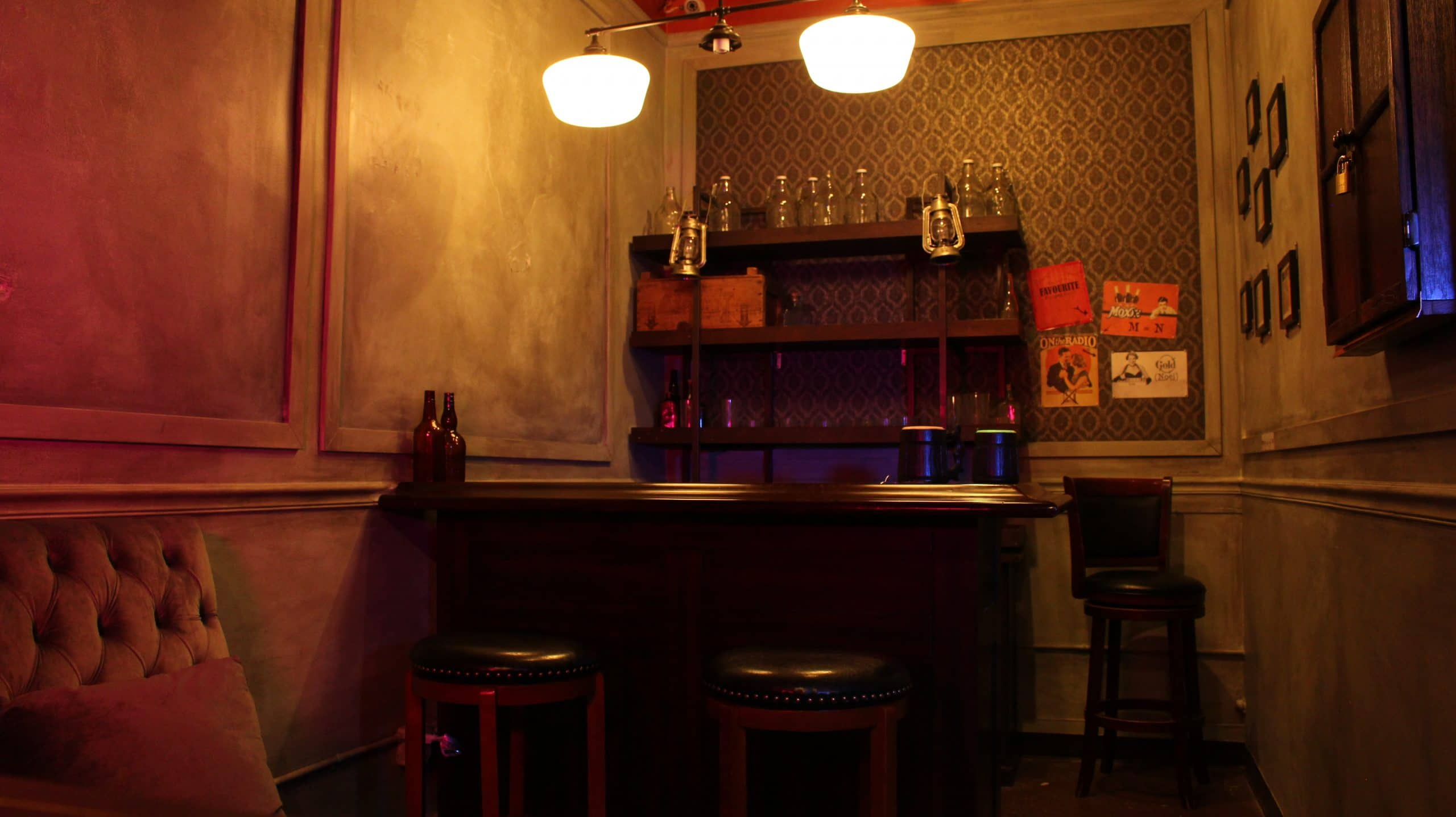 interior view of the prohibition escape room